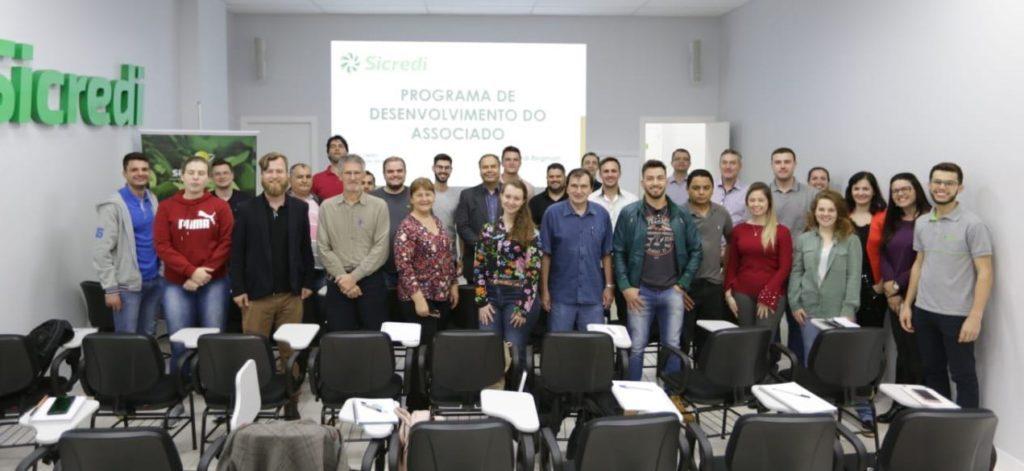 Programa de Desenvolvimento do Associado SICREDI - Toledo PR